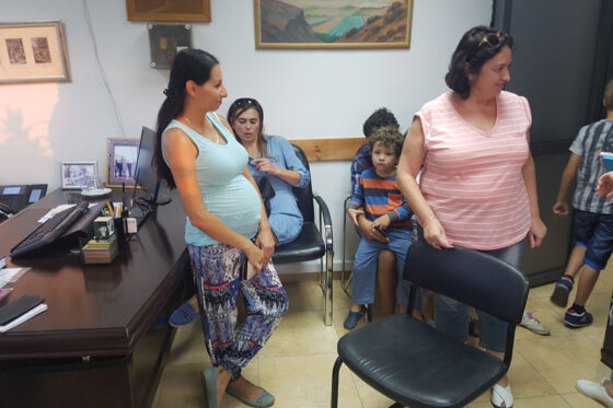 Help for pregnant and having many children families in Afula